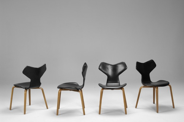 chaises grand prix par arne jacobsen fritz hansen circa 1950 the good old dayz. Black Bedroom Furniture Sets. Home Design Ideas