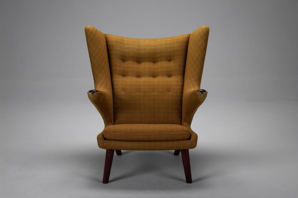 fauteuil papa bear par hans j wegner ap stolen 1950. Black Bedroom Furniture Sets. Home Design Ideas