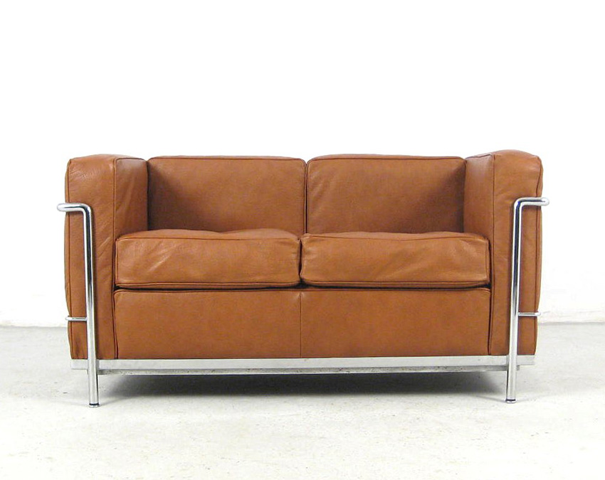 Sofa lc2 the good old dayz for Fauteuil le corbusier cassina