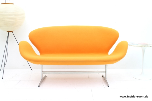 Swan Sofa by Arne Jacobsen the good old dayz