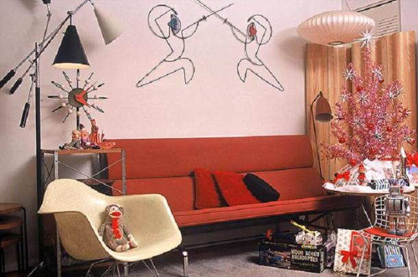 xmas-red_eames_sofa[2]