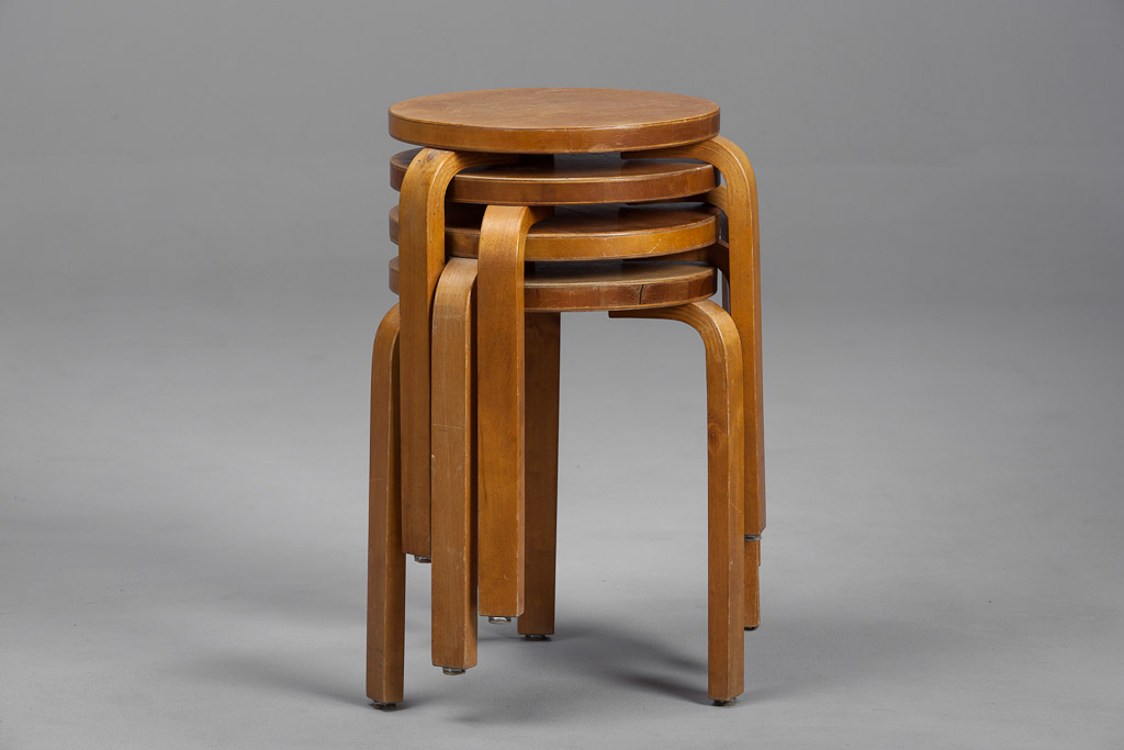 tabouret alvar aalto the good old dayz. Black Bedroom Furniture Sets. Home Design Ideas
