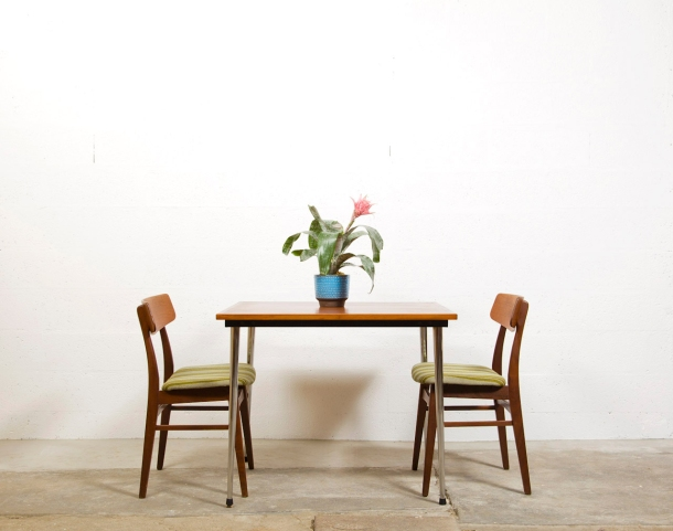 tack market dining_table 1