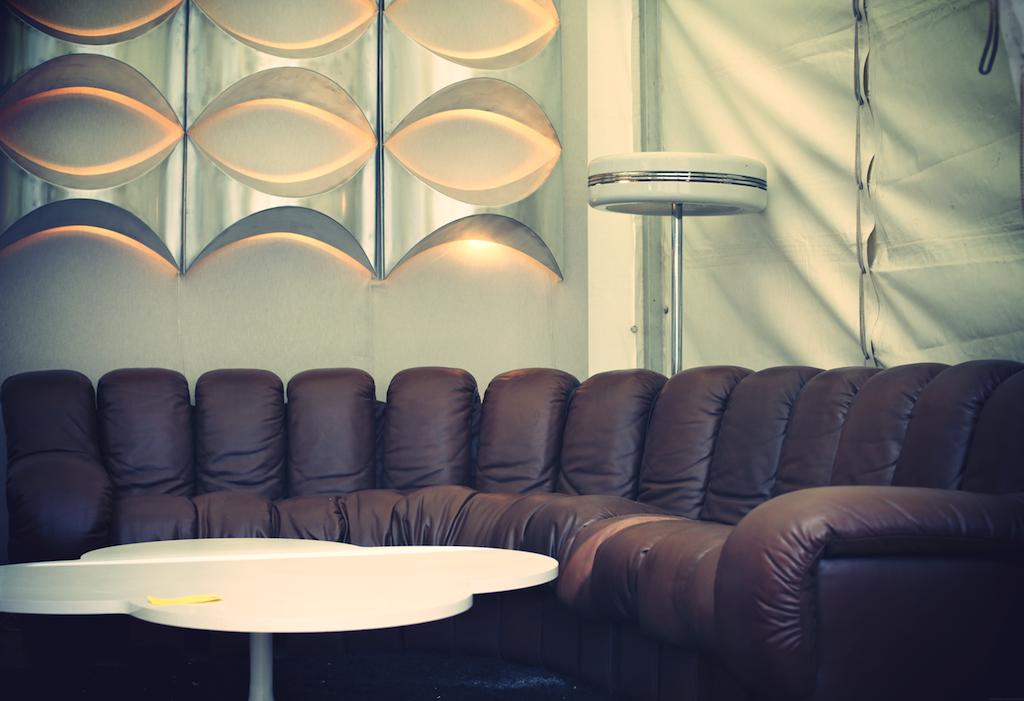 report 1 puces du design 2013 the good old dayz. Black Bedroom Furniture Sets. Home Design Ideas