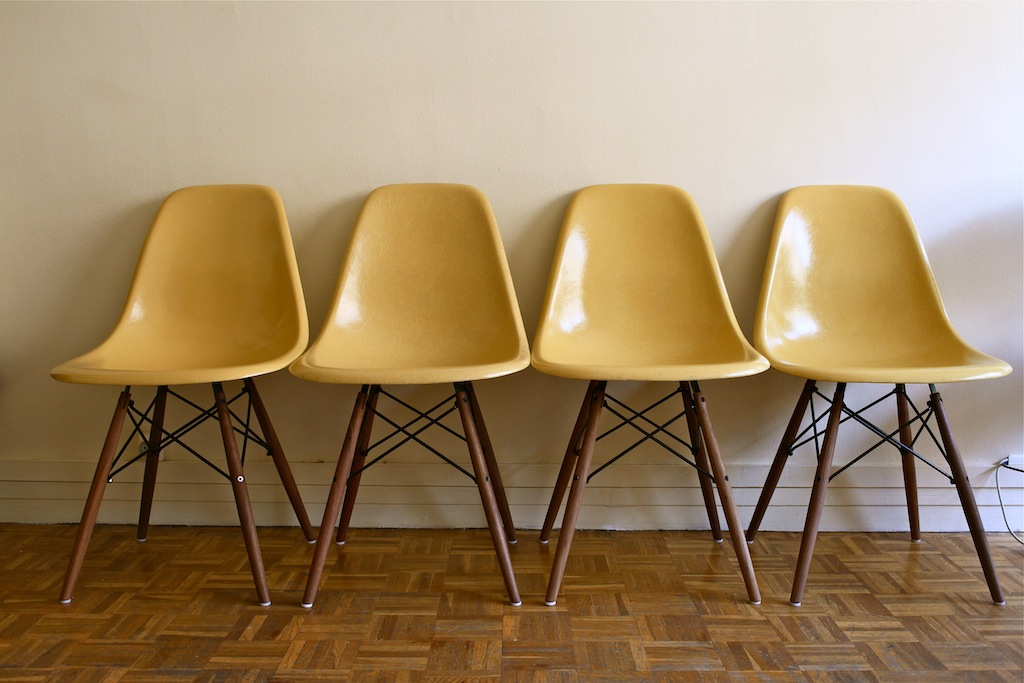 301 moved permanently for Vente chaise eames
