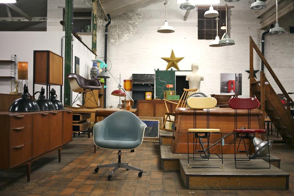 mobilier vintage gand the good old dayz. Black Bedroom Furniture Sets. Home Design Ideas