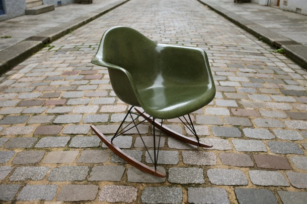 eames herman miller green army 1
