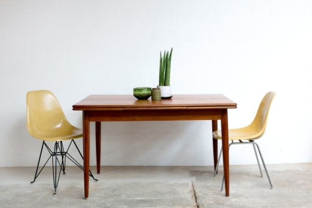 TA_047_TABLE_REPAS_TECK_SCANDINAVE_NIELS_O_MOLLER_HERMAN_MILLER_EAMES