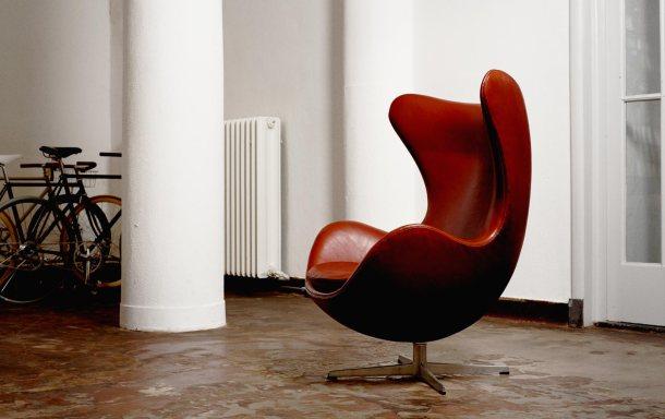 egg chair arne jacobsen fritz hansen MORENTZ_showroom