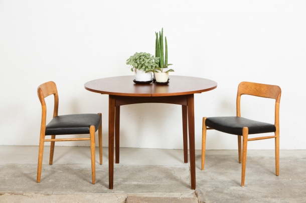 the good old dayz TABLE_REPAS_SCANDINAVE_VINTAGE_TECK_MOLLER_SCANDINAVIAN_VINTAGE_FURNITURE_TEAK[1]