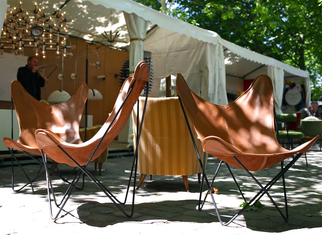 les puces du design 2014 15 ans 30eme edition the. Black Bedroom Furniture Sets. Home Design Ideas