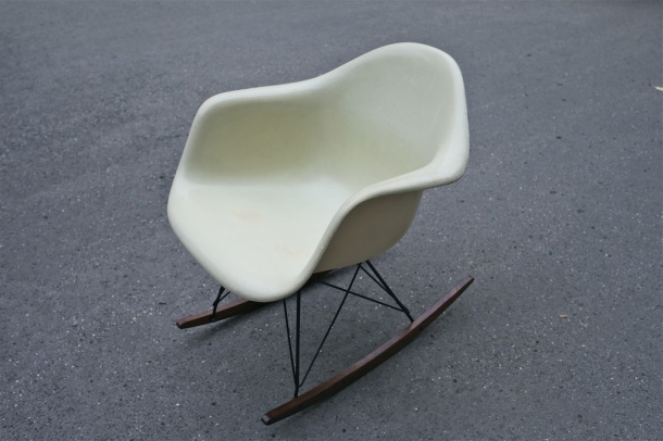 rocking chair rar eames herman miller off white 1