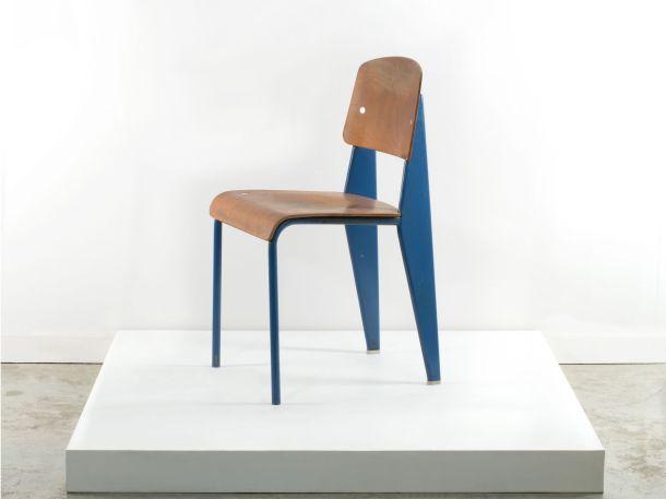 Artcurial chaise standard bleue jean prouve