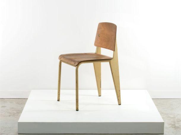 Artcurial chaise standard no 4 jaune jean prouve