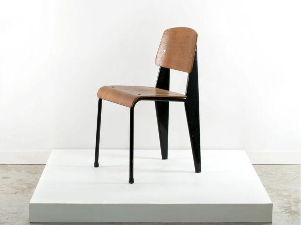 Artcurial chaise standard noire jean prouve