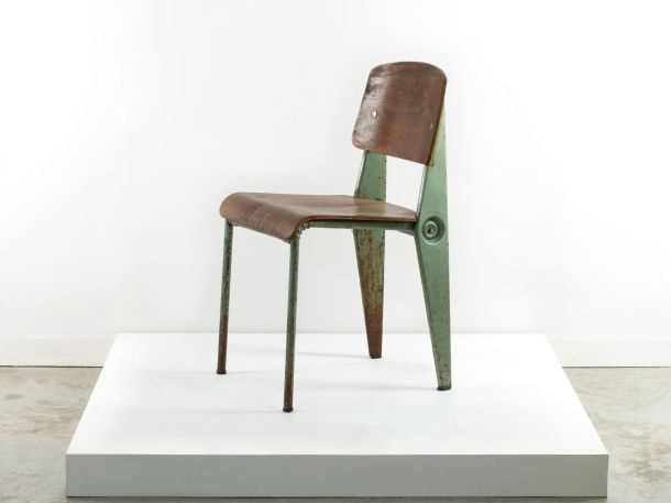 Artcurial chaise standard verte jean prouve