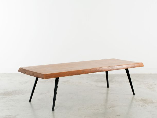 TABLE BASSE PAR CHARLOTTE PERRIAND - 1952