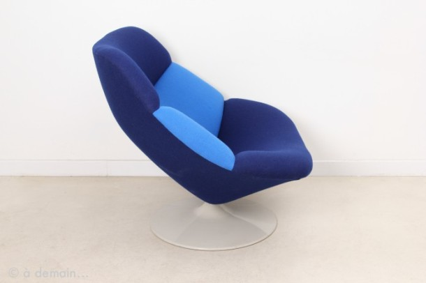 fauteuil-lounge-f519-raye-bleu-par-geoffrey-harcourt-pour-artifort-1960s-1