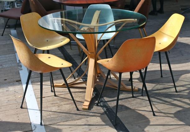 les puces du design the good old dayz. Black Bedroom Furniture Sets. Home Design Ideas